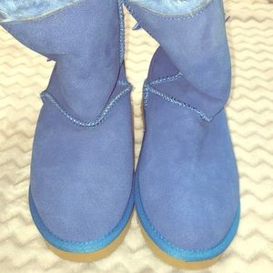 Ugg bow boots Sz 5